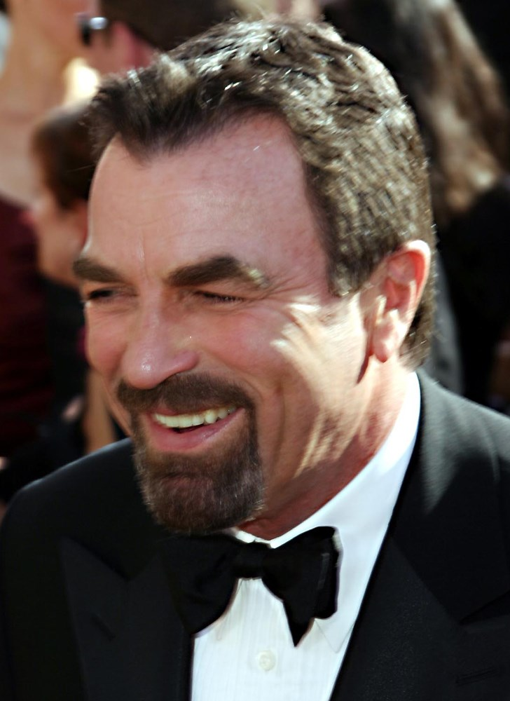TOM SELLECK arriving at The 56th Annual Emmy Awards at The Shrine Auditorium Los Angeles, California - 19.09.04 Credit: WENN