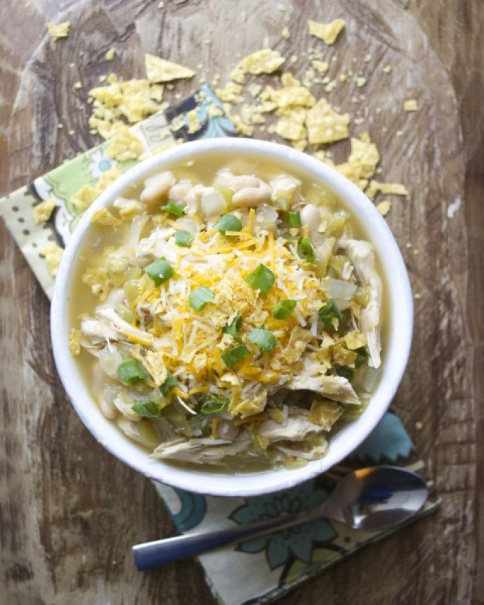 بطيئة طباخ White Bean Chicken Chili Verde recipe by Annie Holmes of Maebells