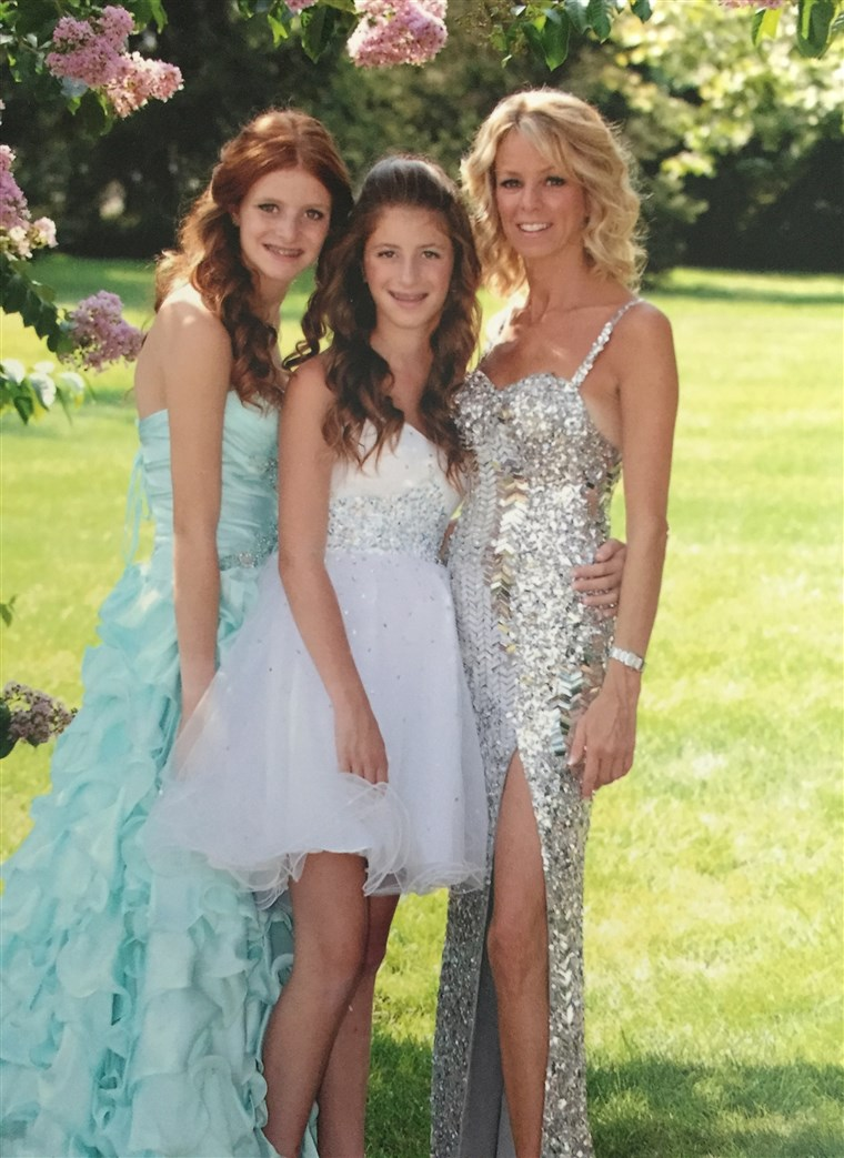 Stacy Feintuch is pictured with her daughters.