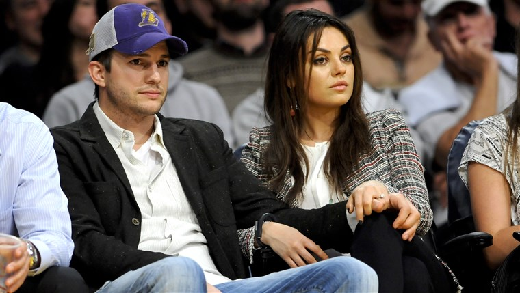 Das newly engaged actors Ashton Kutcher and Mila Kunis attend an NBA basketball game between theNew Orleans Pelicans and Los Angeles Lakers, Tuesday, ...