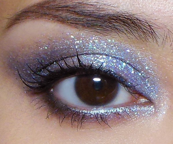 Fee eye makeup