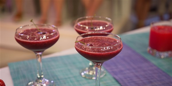радост Bauer's Refreshing Cherry Frosé