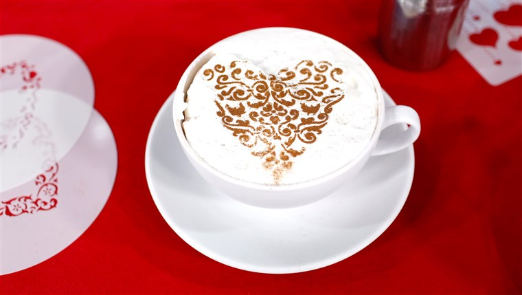 جوستين Chapple shows off an easy way to decorate hot cocoa and cappuccino for Valentine's Day