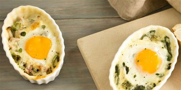 Cremig Baked Eggs with Leeks and Spinach