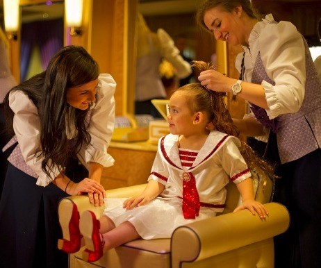 мини spa-goers can get hair extensions and glittering ensembles at Disney's Bibbidi Bobbidi Boutiques.