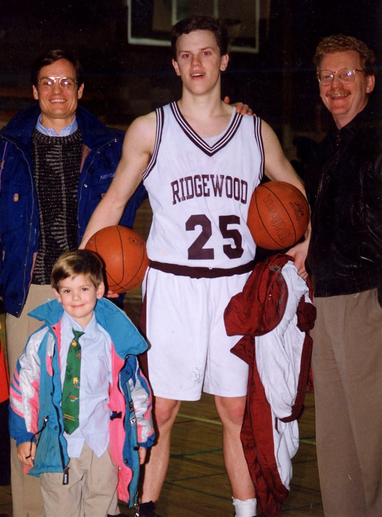 Sicher, I was the star of my high school basketball team, but consider my teammates: two middle-aged men and a 4-year-old.