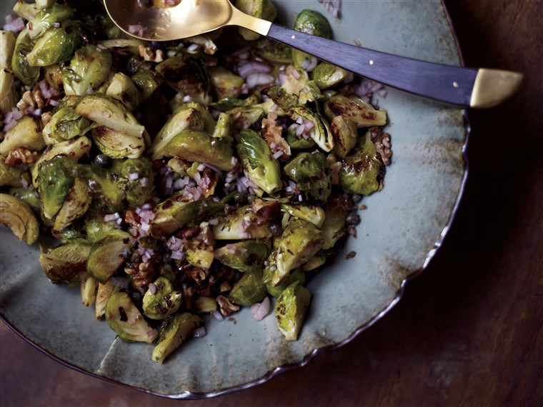 迈克尔 Symon's Roasted Brussels Sprouts with Capers, Walnuts and Anchovies