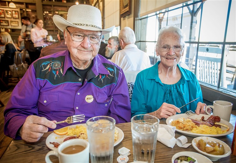 Cracker Barrel Old Country Store Opening