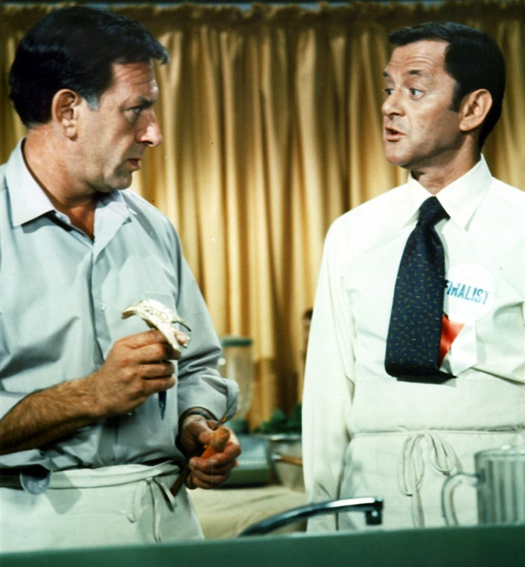 DATEI PHOTOGRAPH OF JACK KLUGMAN AND TONY RANDALL