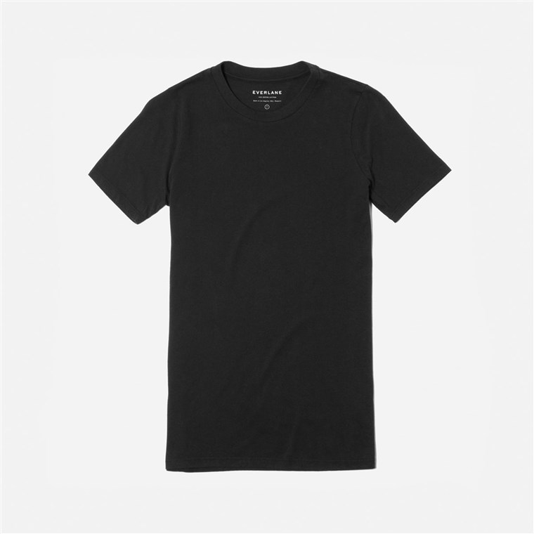 Geschenke for new moms, Everlane t-shirt