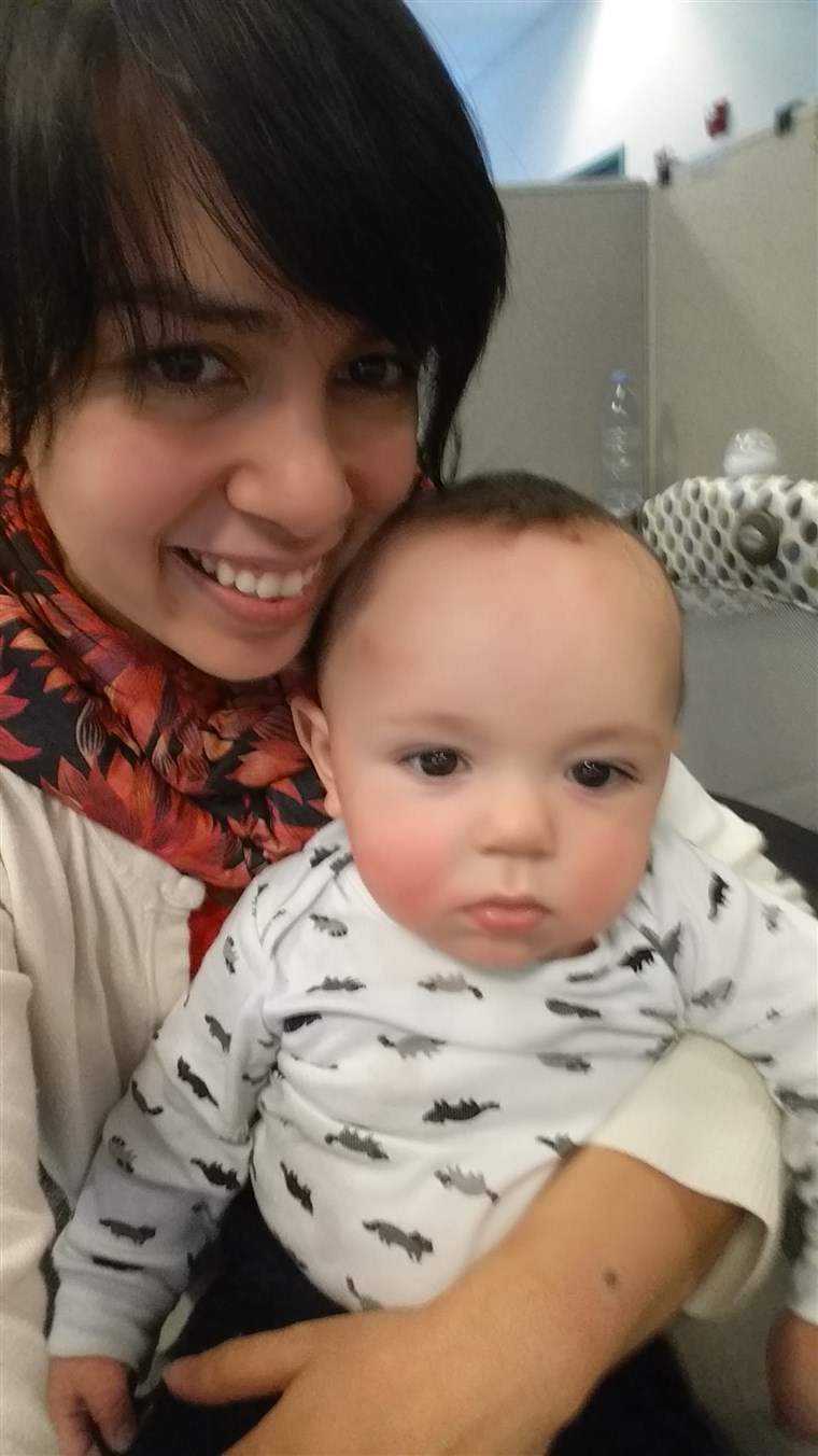 ماريسا VanHoozer with her son Gavin.