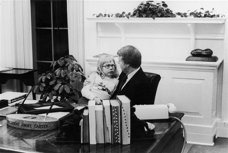 Präsident Carter & Daughter In Oval Office