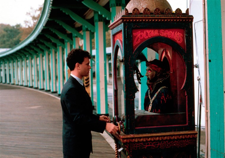 توم Hanks visits Zoltar in