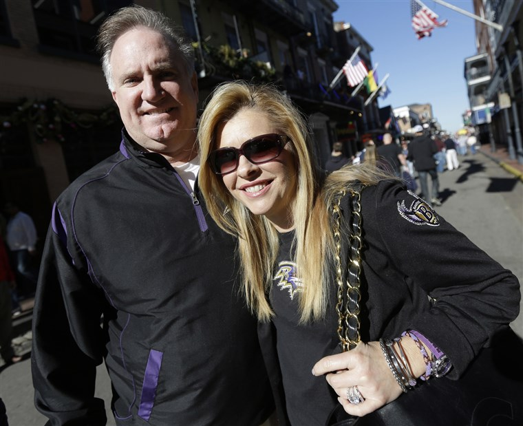 شون and Leigh Anne Tuohy, Oher'sadoptive parents, in New Orleans before the game.