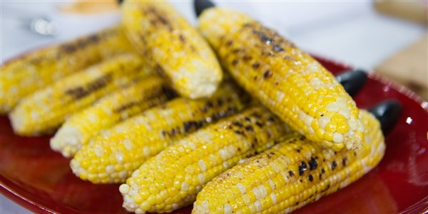 Gegrillt Corn with Chili Honey Butter