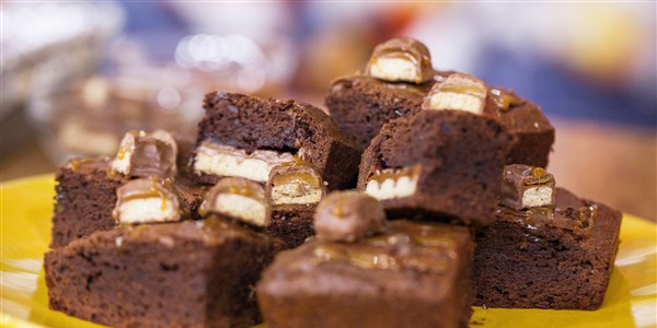 محشو Chocolate Caramel Brownies