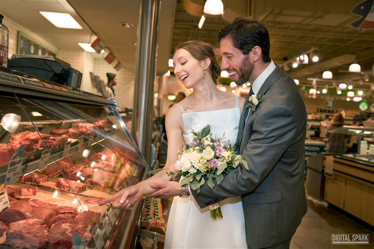 زوجان marries in Whole Foods, North Carolina.