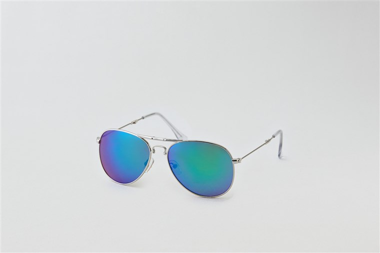 AEO Folding Aviator sunglasses for an oval-shaped face