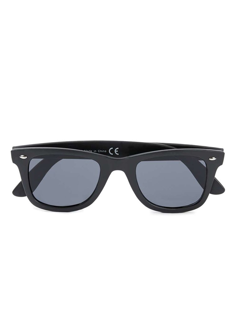 头号人物 Matte Black Sunglasses