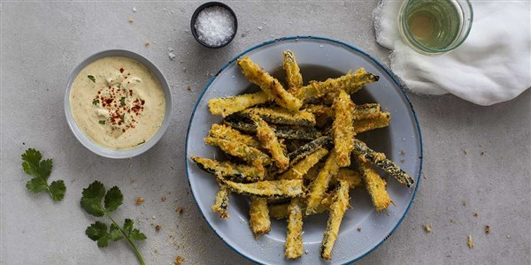 25 минути Baked Zucchini Chips with Garlicky Chermoula Dip