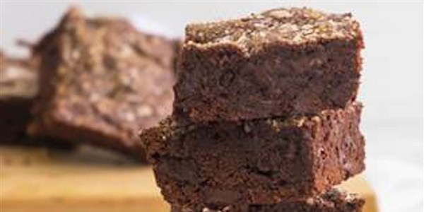 Gesalzen Dark Chocolate Chunk Brownies
