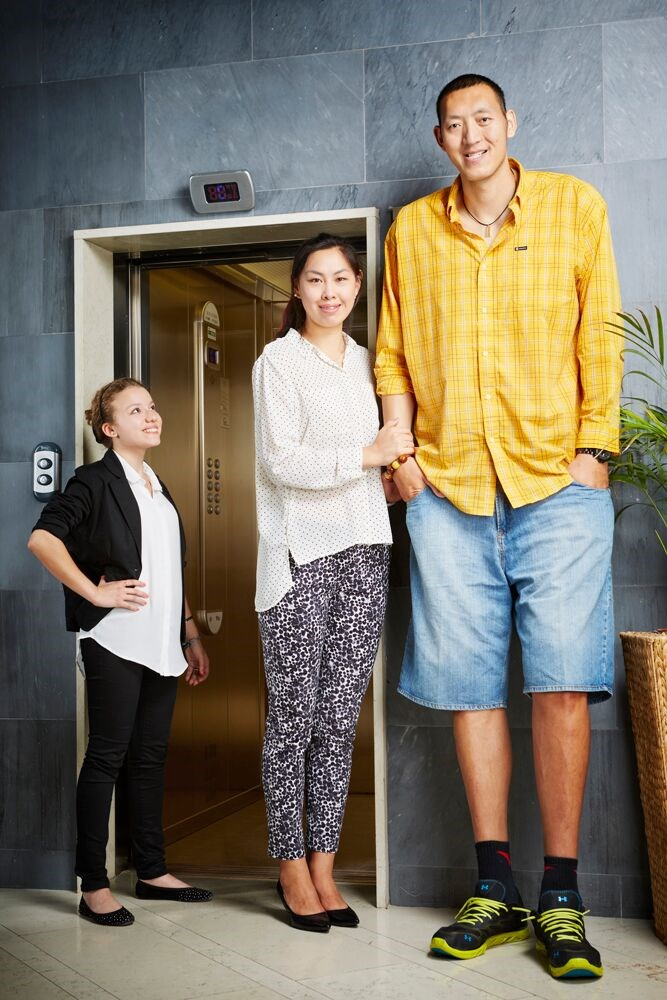Guinness World Records tallest married couple Sun Mingming and Xu Yan