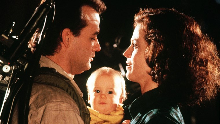 捉鬼敢死队 2 Year : 1989 Director : Ivan Reitman Bill Muray, Sigourney Weaver