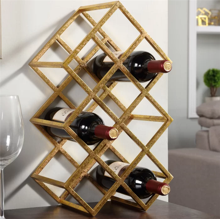 Wein rack in gold