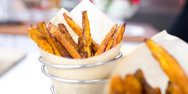 烘烤的 Sweet Potato Fries