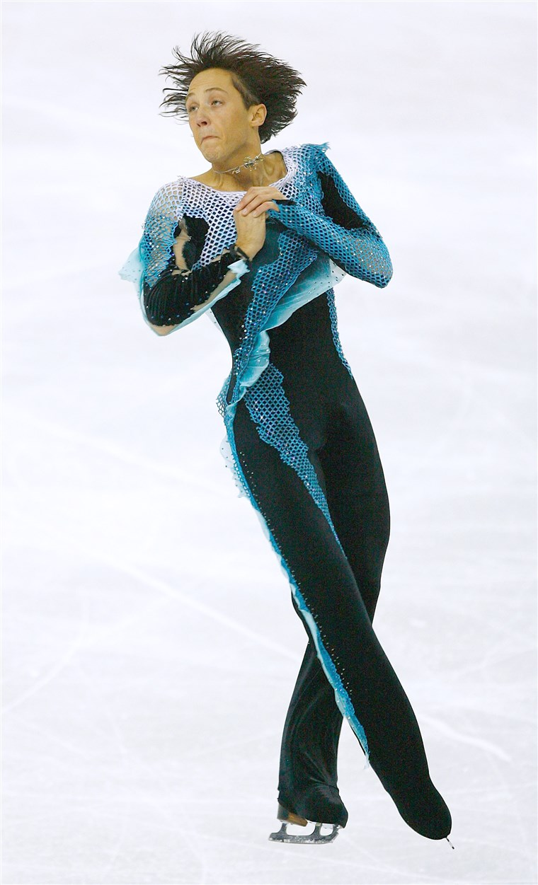 سد competes in the Men's Free Skate Program Final during Day 6 of the Turin Winter Olympic Games on February 16, 2006.