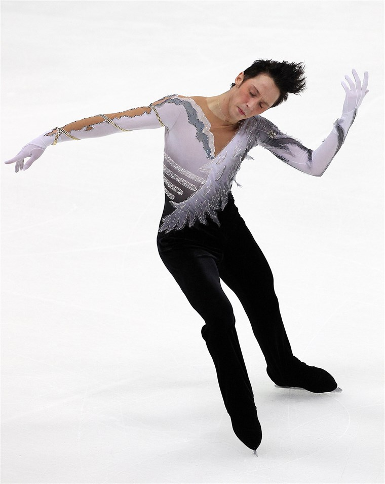سد performs in the Men's Free Skate on day one of the ISU Grand Prix of Figure Skating on November 7, 2009 in Nagano, Japan.