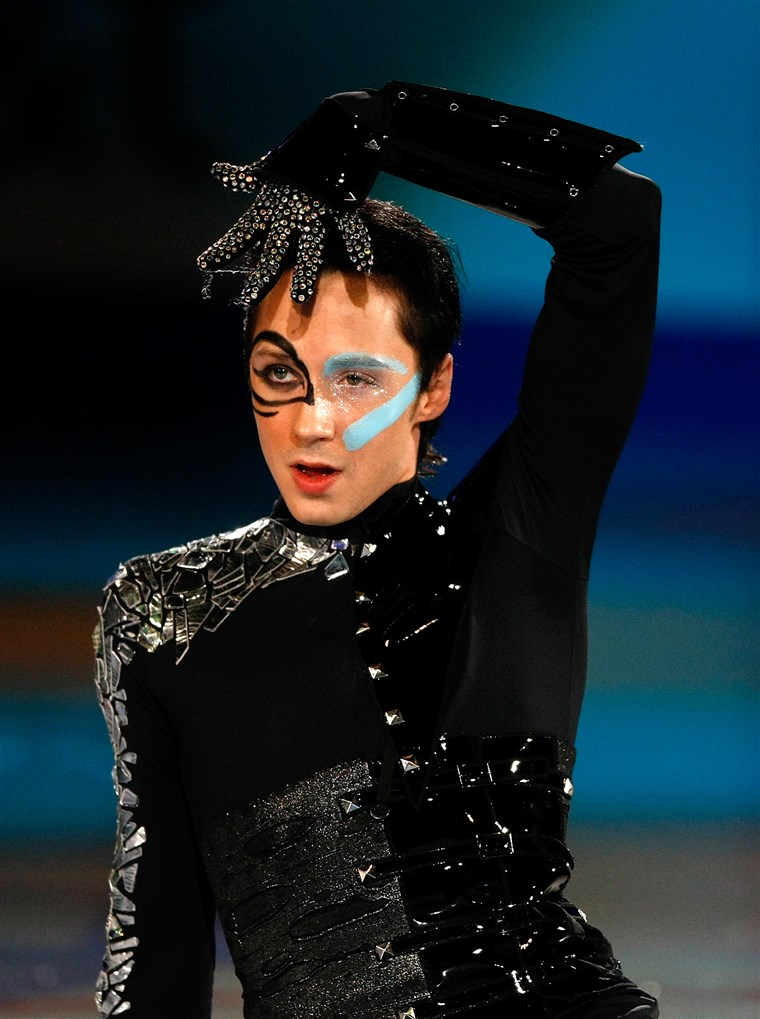 SPOKANE، WA - JANUARY 24: Johnny Weir skates during the exhibition gala at the US Figure Skating Championships at Spokane Arena on January 24, 2010 i...